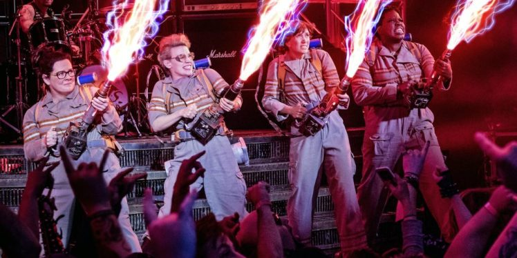 ghostbusters-2016-cast-proton-packs-images-1024x513